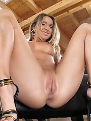 Whitney uses a glass dildo in her pussy
